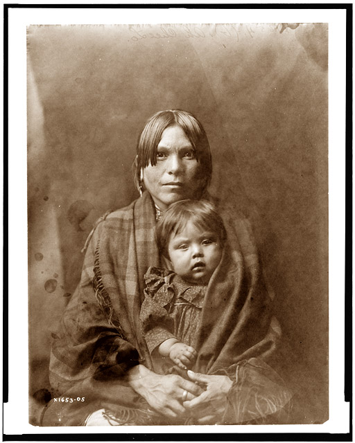 Ah Chee Lo and her Daughter, 1905