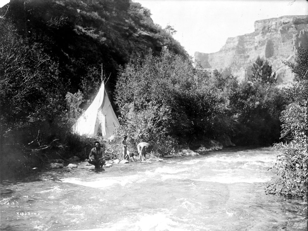 River Camp: c1905